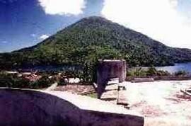 Gunung Api op Banda (bron: Rick van den Broecke)