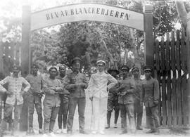 Een militair kampement in Atjeh, ca. 1928 (bron: MuMa)