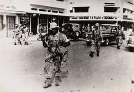 De actie van ex-KNIL-kapitein Westerling in Bandung, een poging om de onafhankelijkheid van de deelstaat Pasundan te behouden. Bandung, 23 januari 1950 (bron: MuMa)